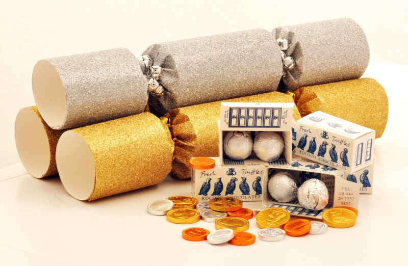 conran shop gold glitter crackers via weebirdycom - British Christmas Crackers