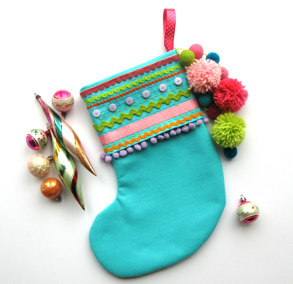 Crafttuts+ Felt Christmas Stocking Tutorial via WeeBirdy.com