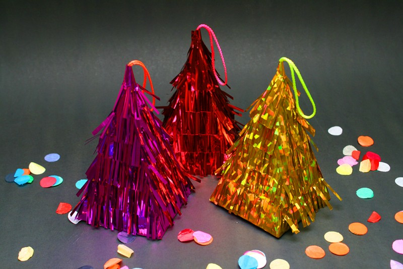 Crafttuts+ Christmas Pinatas Tutorial via WeeBirdy.com