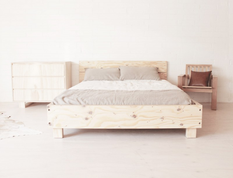 Mr & Mrs White Beam Bed via WeeBirdy.com