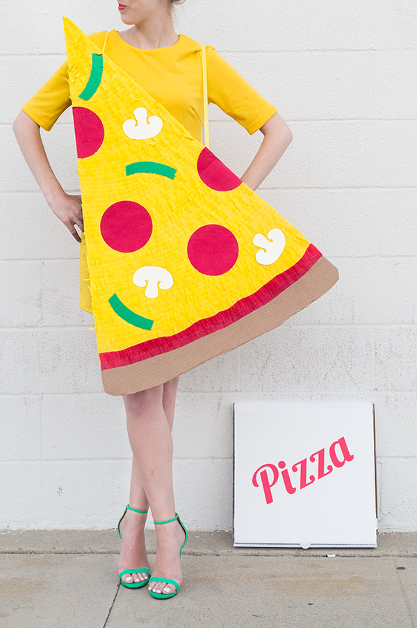 5 Amazing Last Minute DIY Halloween Costumes: Pizza and Pizza Delivery Man by Studio DIY>