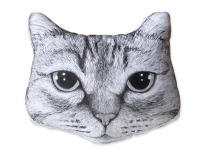 Top 12 amazing Etsy presents for pet owners and animal lovers to order now for Christmas, via WeeBirdy.com.