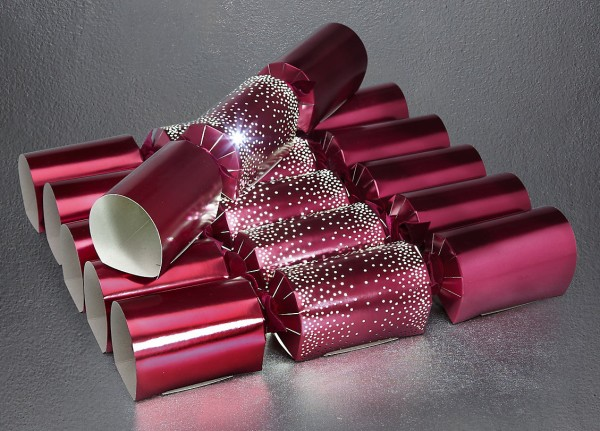 Wee Birdy's round-up of the best crackers for Christmas 2014: Light-up crackers from Marks & Spencer, via WeeBirdy.com.