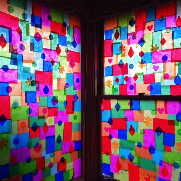 Amazing! Pilgrim Lee's incredible 'stained-glass'-style Christmas windows. She made them using tissue paper and PVA glue.