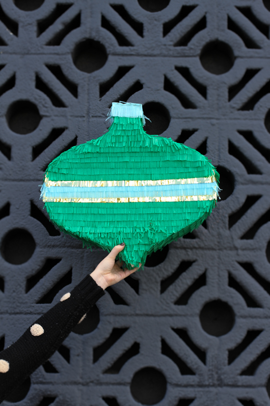 5 Awesome New Christmas Crafts to Make: Giant fringe ornament DIY tutorial by Papernstitch Blog.