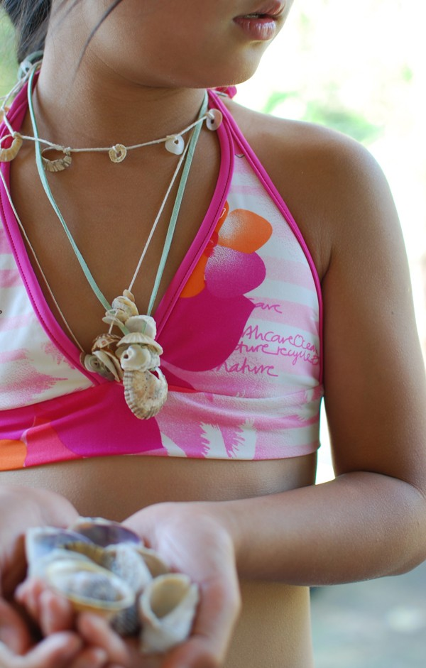 The best craft projects to make with kids, via We-Are-Scout.com: shell necklaces