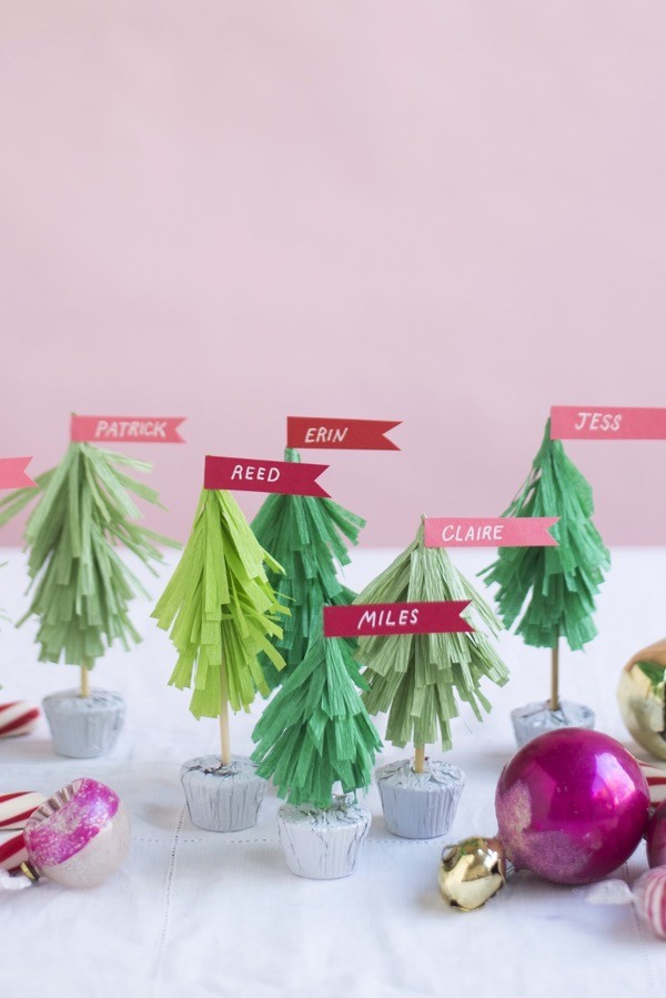 Make Christmas tree name cards by Oh Happy Day.