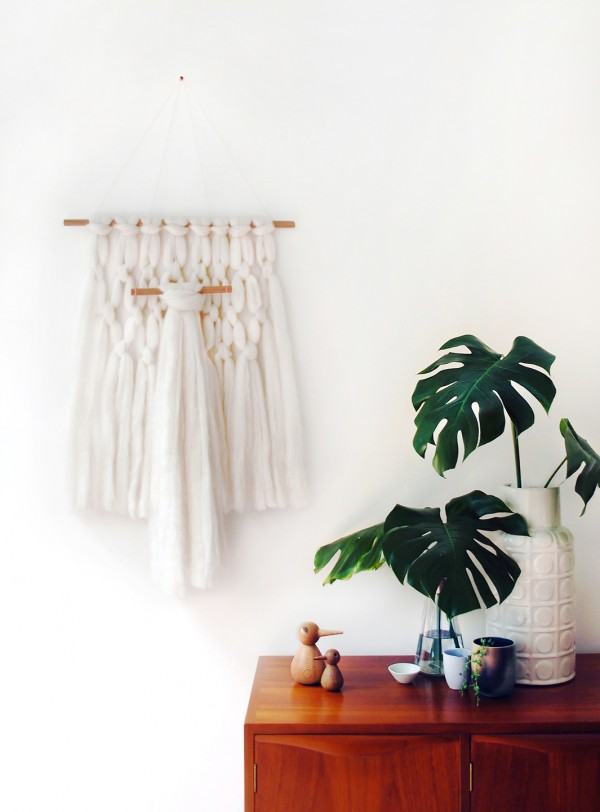 Tutorial: How to make a modern wool wall hanging - it's super easy. By Lisa Tilse for We Are Scout. Photo: Lisa Tilse for We Are Scout