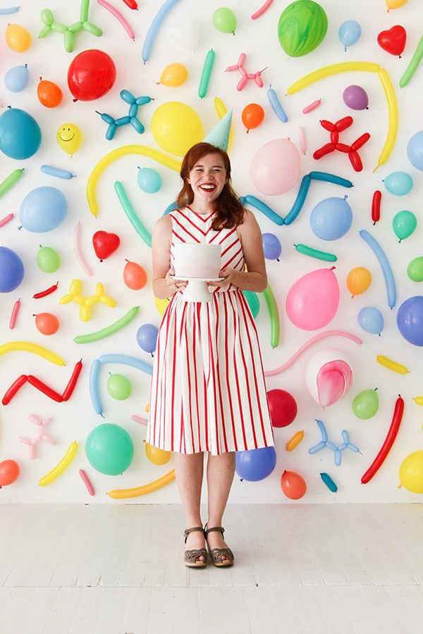 Clever craft ideas: Balloon Wall Photobooth by Handmade Charlotte.