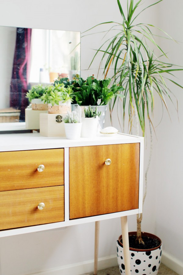 How to give an old dresser a smart makeover without a lick of paint by Fall for DIY.