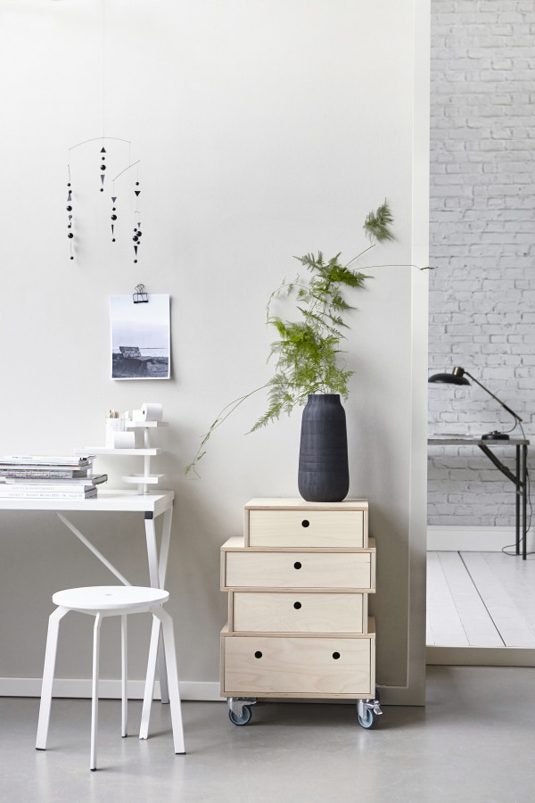 How to style a vignette inspired by Danish brand House Doctor: the workspace.
