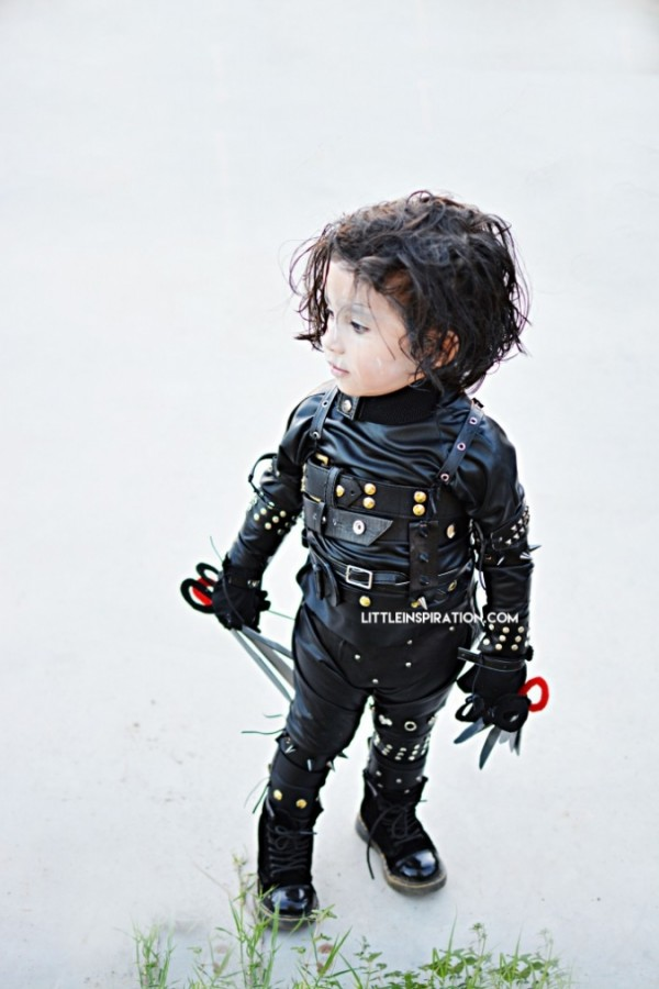 DIY Edward Scissorhands costume by Little Inspiration.