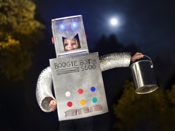 DIY Robot Halloween Costume by Makezine.