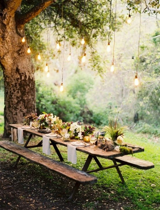 How to Decorate the Dinner Table 15